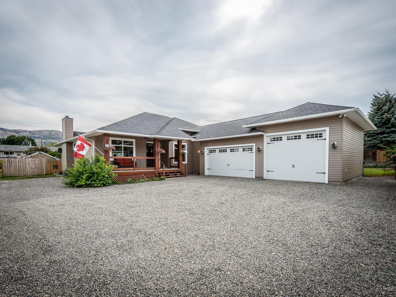 Family Home in Brock – 2333 Bossert Ave