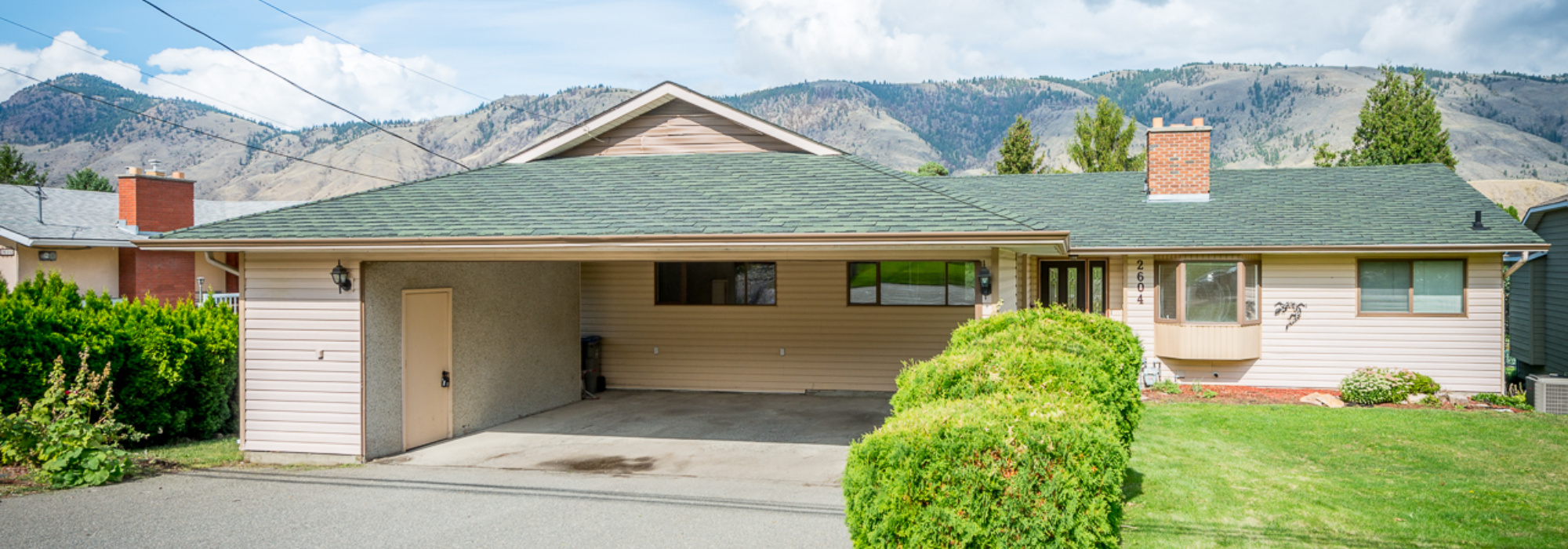 Well Cared for Valleyview Home – 2604 Valleyview Drive