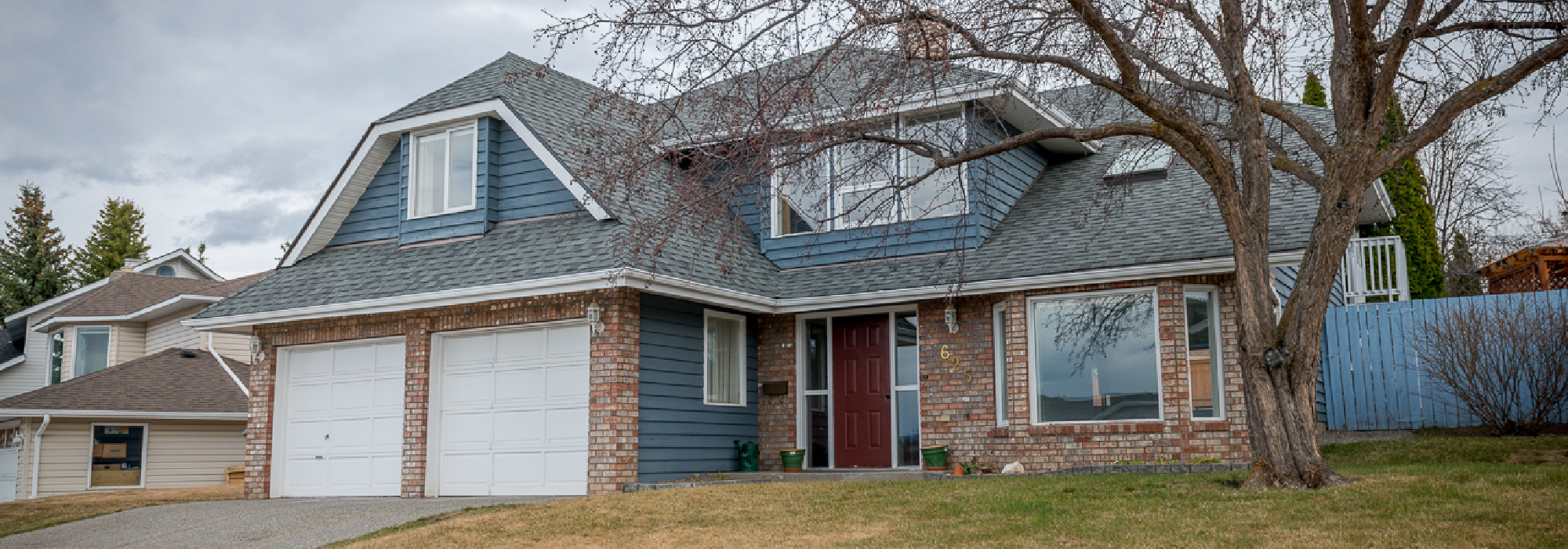 Sahali Home with 2 Bed Suite – 625 Robson Drive