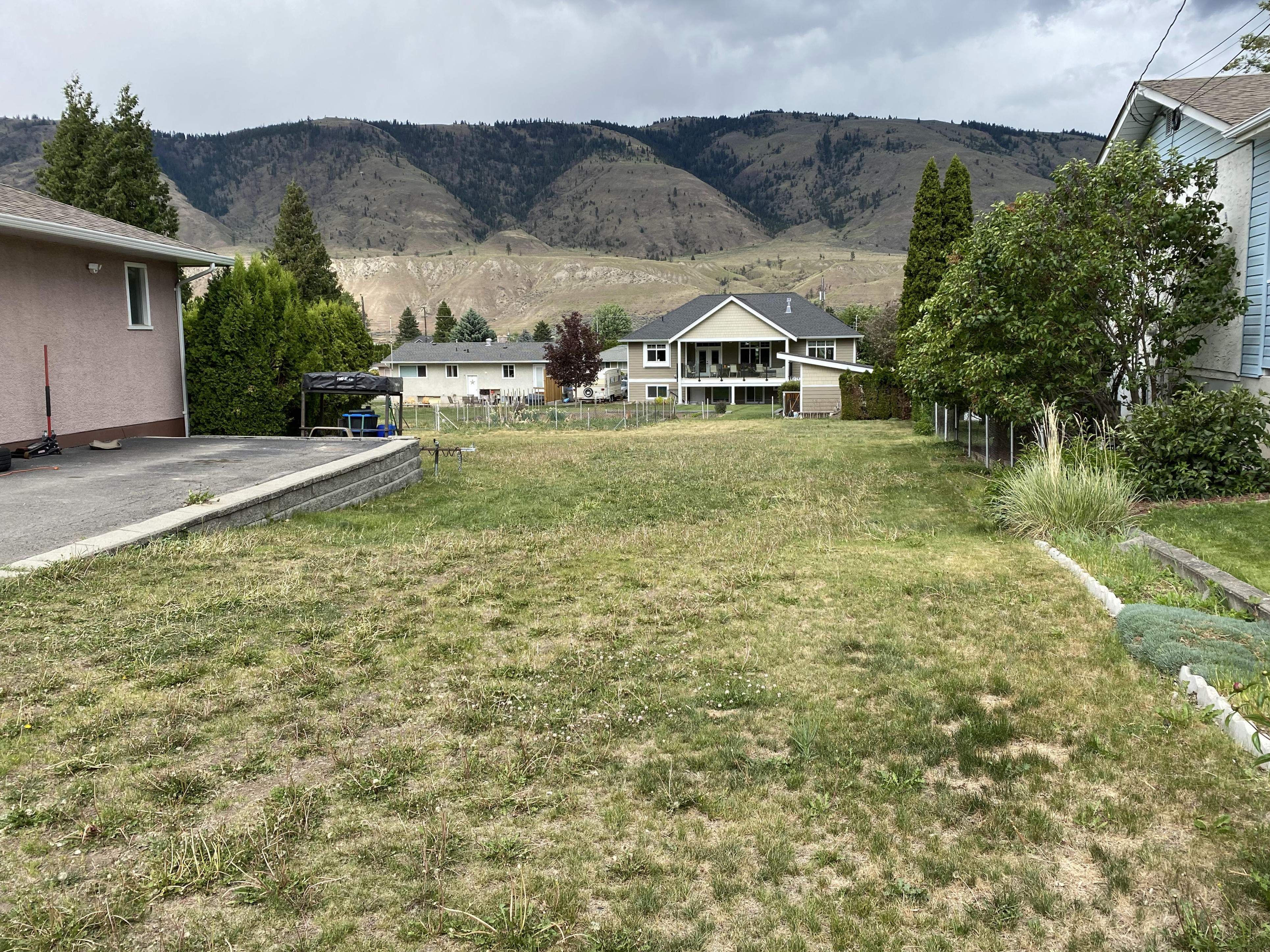 Valleyview Lot Ready for a New Home – 2638 Valleyview Drive