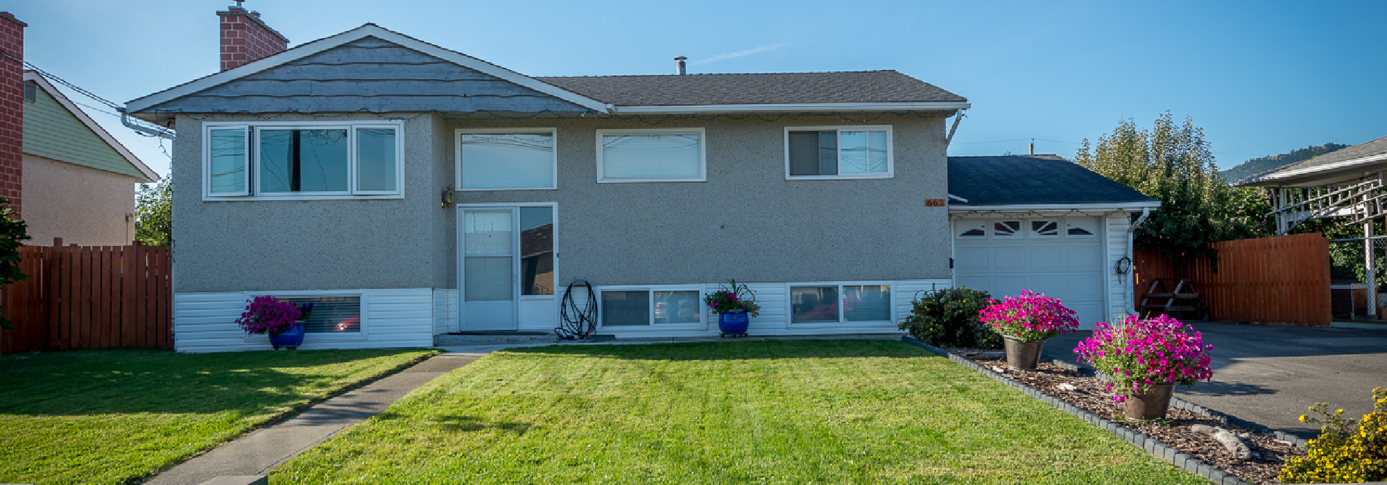 Family Home with Pool – 663 Duncan Ave